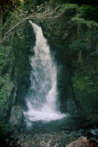8 滝(果無)
